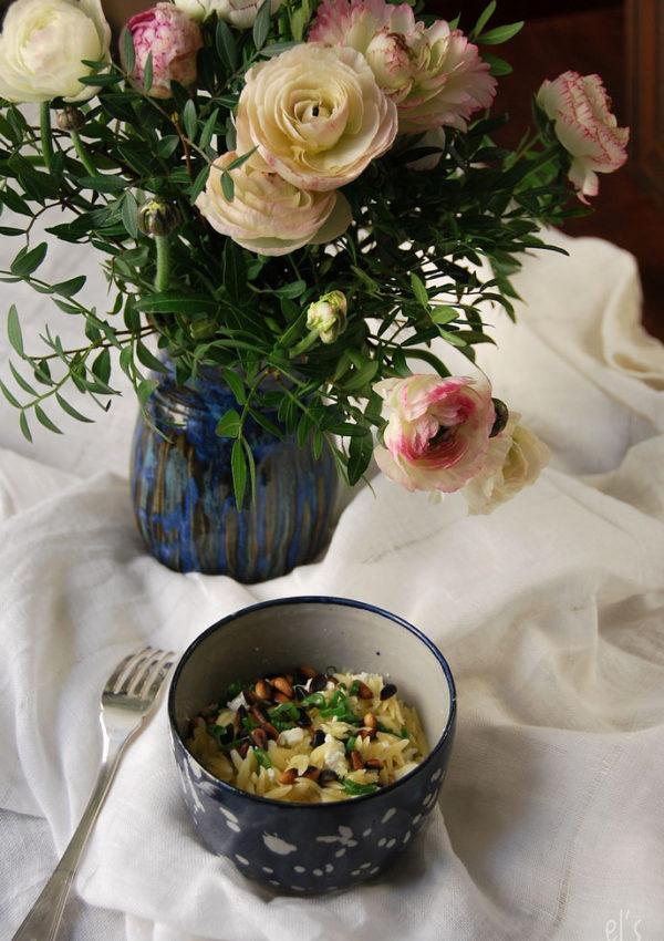 Salade de pâtes à la feta et aux pignons