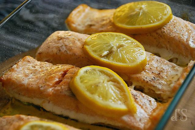 Pav de saumon sauce exotique recette tangerine zest - Comment cuisiner pave de saumon ...