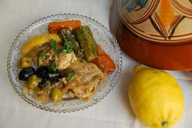 Tajine de poulet, citron et olives