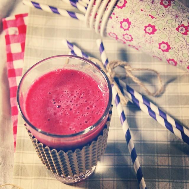 {NEW POST} Petit Smoothie framboise pamplemousse. Parfait pour un réveil vitaminé !