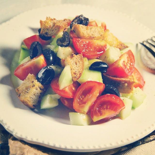 {NEW} Et si aujourd'hui on se faisait une bonne salade panzanella !?