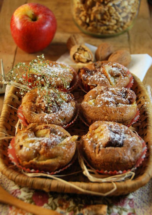 Muffins aux pommes, noix et caramel