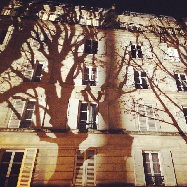 Jeu d'ombres sur le canal Saint-Martin à #Paris