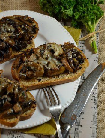 Croute aux champignons et crème de truffe