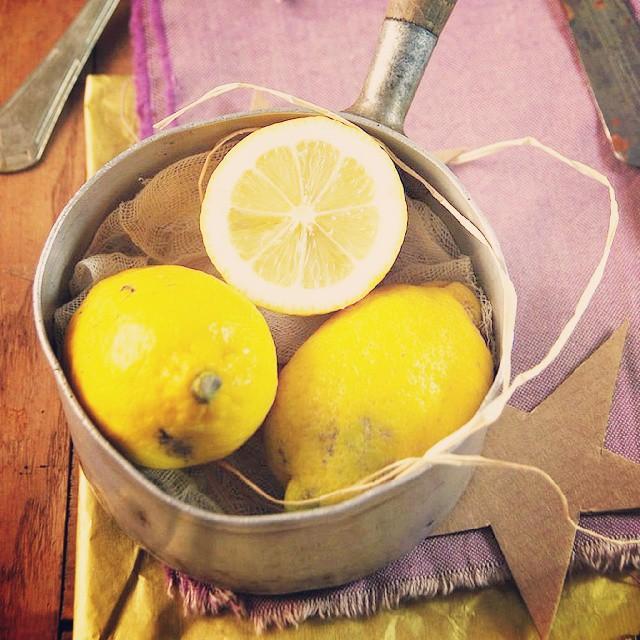Un cake hivernal tout à fait réconfortant avec des saveurs de citron et mascarpone, sur le blog... #cake #citron #mascarpone