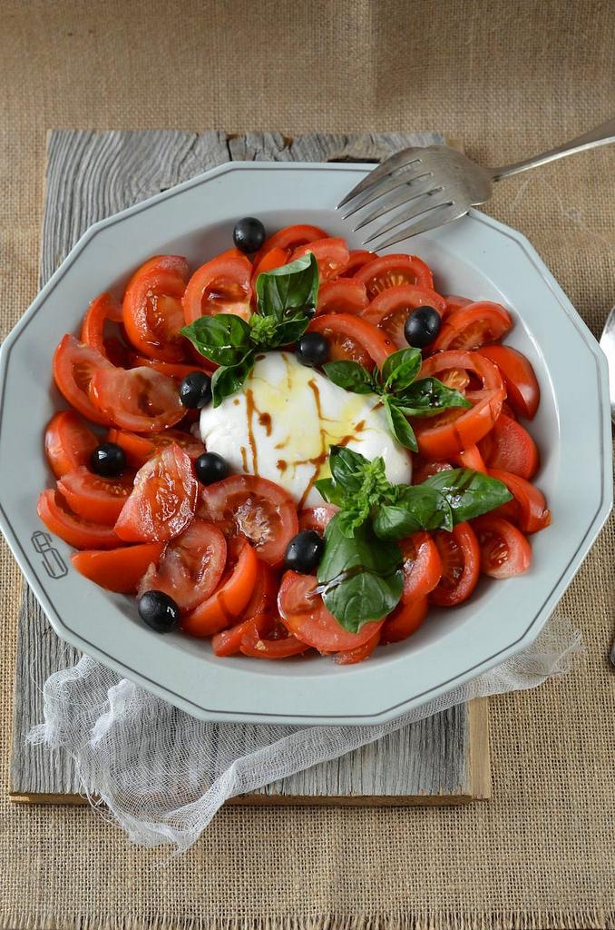 salade de tomate mozzarella burrata recette tangerine zest. Black Bedroom Furniture Sets. Home Design Ideas