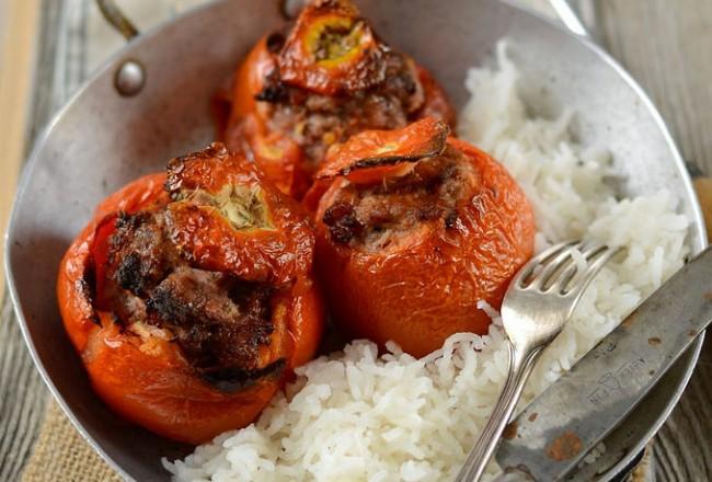Tomates farcies au four et riz