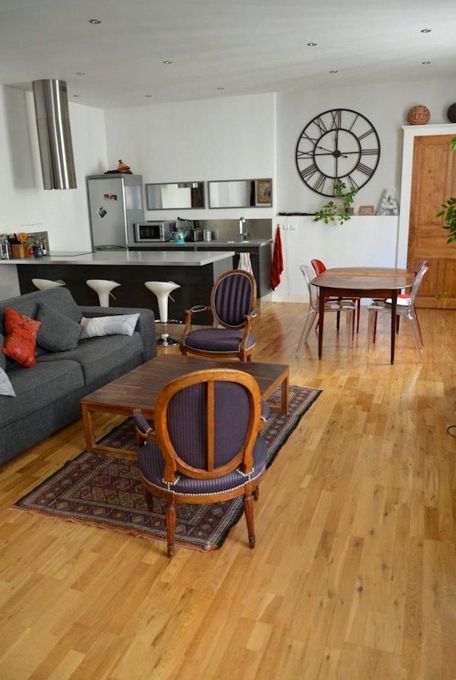 visite de mon appartement blogueuse culinaire maison d co. Black Bedroom Furniture Sets. Home Design Ideas