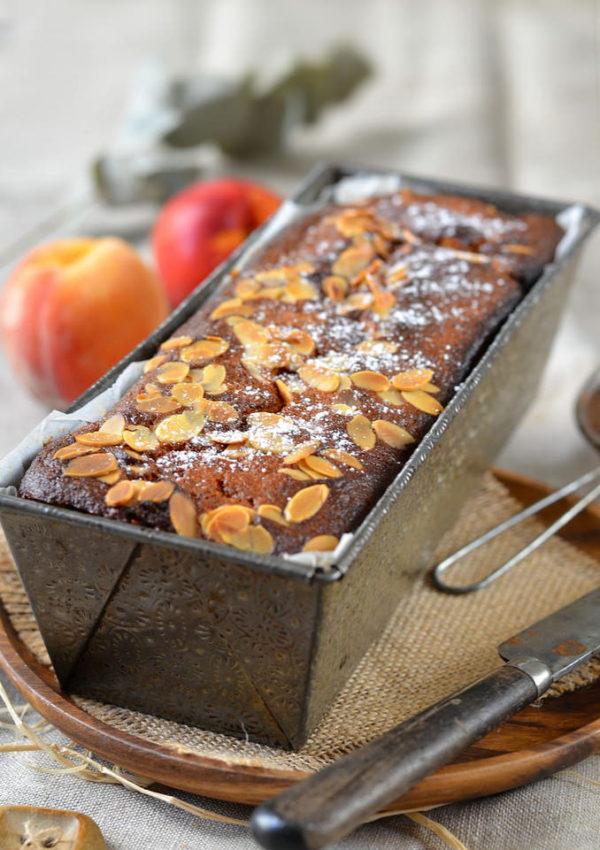 Gâteau moelleux aux pêches et nectarines