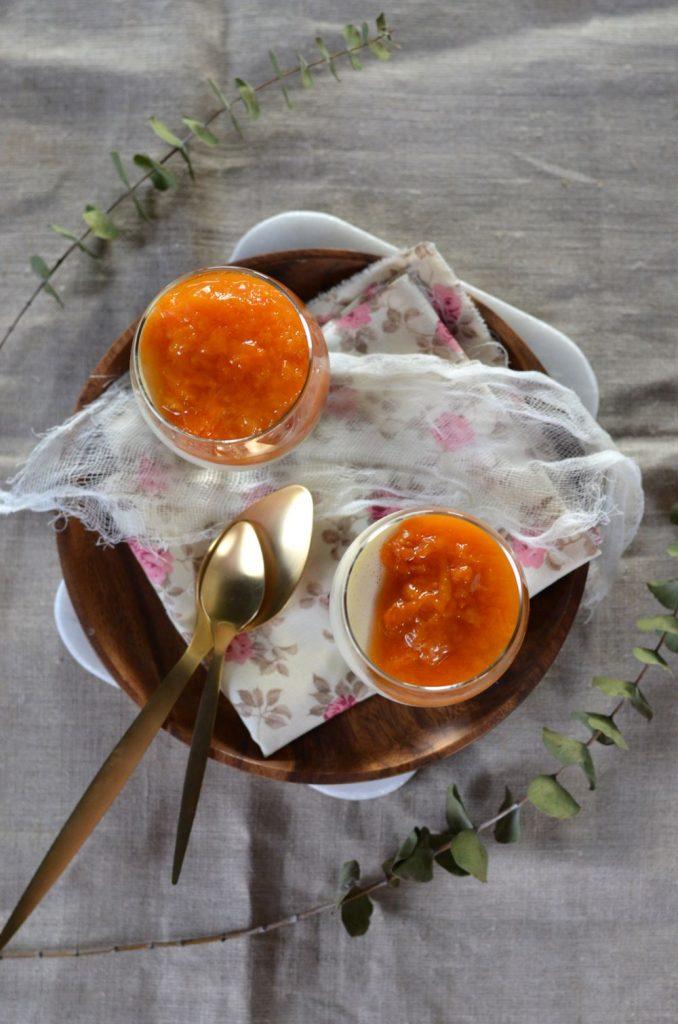 Panna cotta au mascarpone et compotée d'abricot