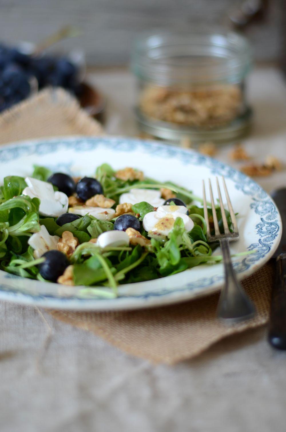salade de roquette, champignons et raisin
