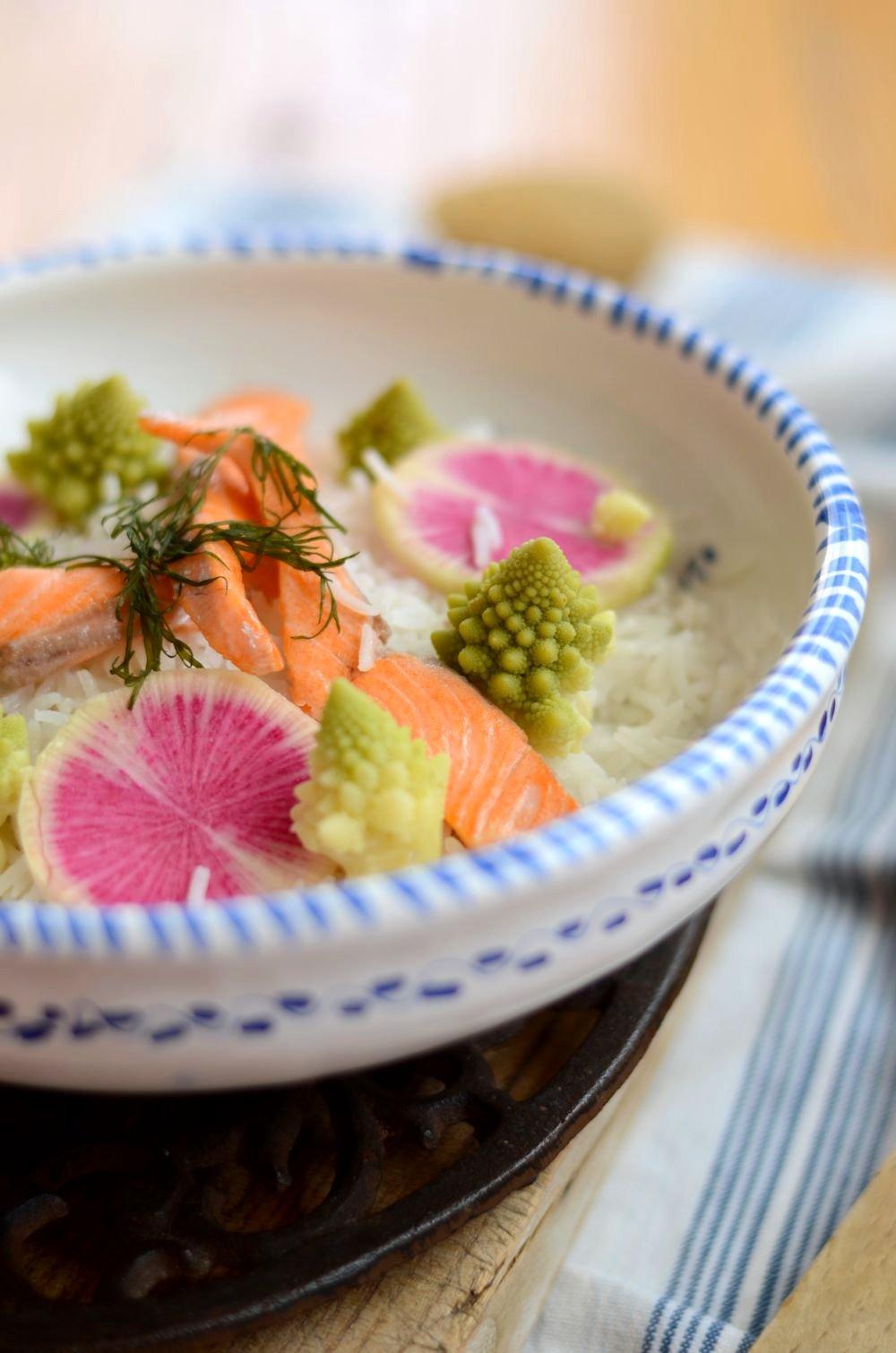 Salade de riz truite chou romanesco radis red meat