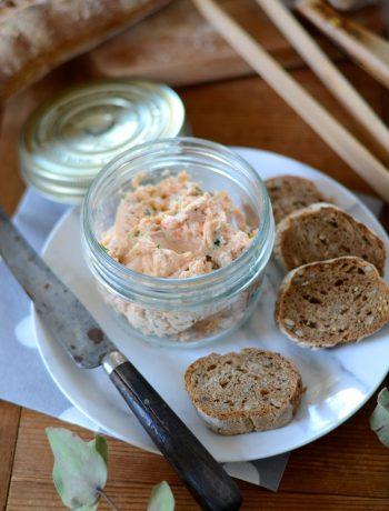 Rillettes de saumon et perles de yuzu