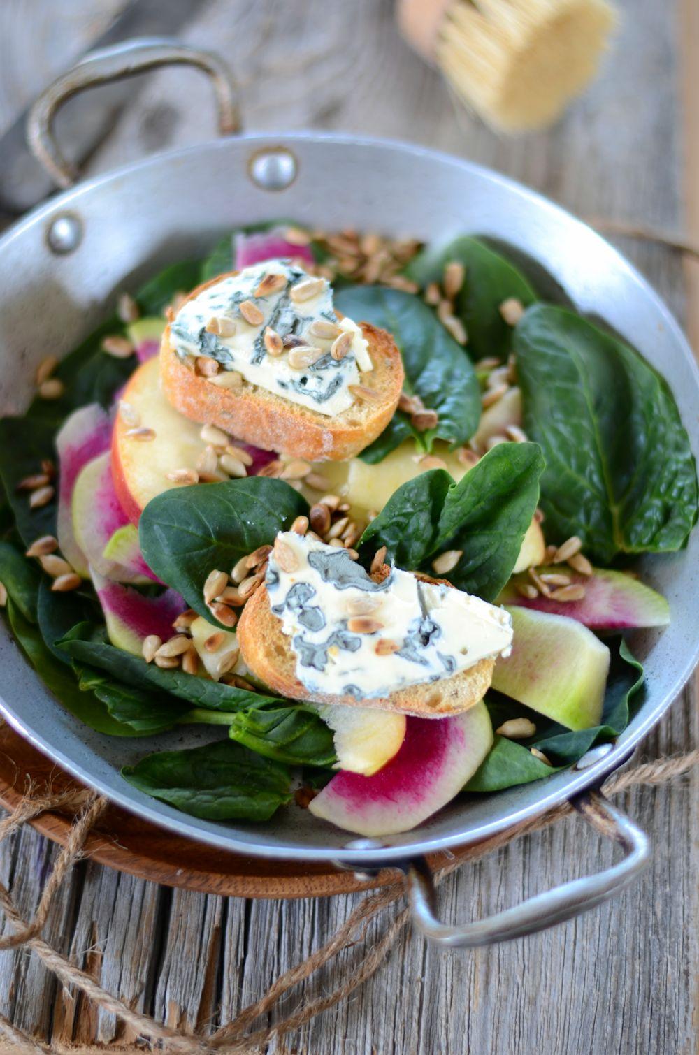salade épinard pomme radis tartine de bleu
