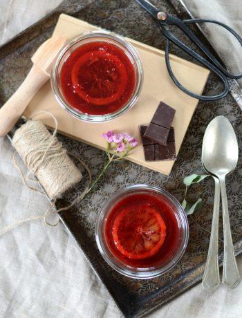 Pudding de chia au lait de coco, chocolat et orange sanguine