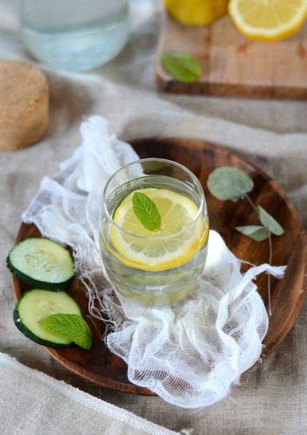 Eau de concombre, citron et menthe