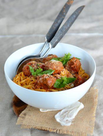 Tagliolini aux boulettes de boeuf et sauce tomate au basilic