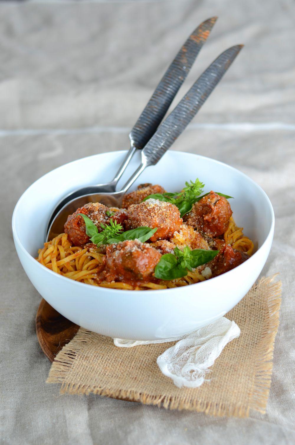 Tagliolini aux boulettes de boeuf et sauce tomate au - Boulette de boeuf maison ...