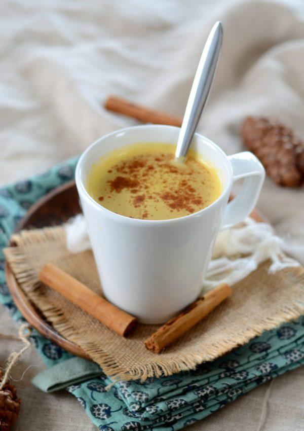 Café latté à la citrouille et aux épices