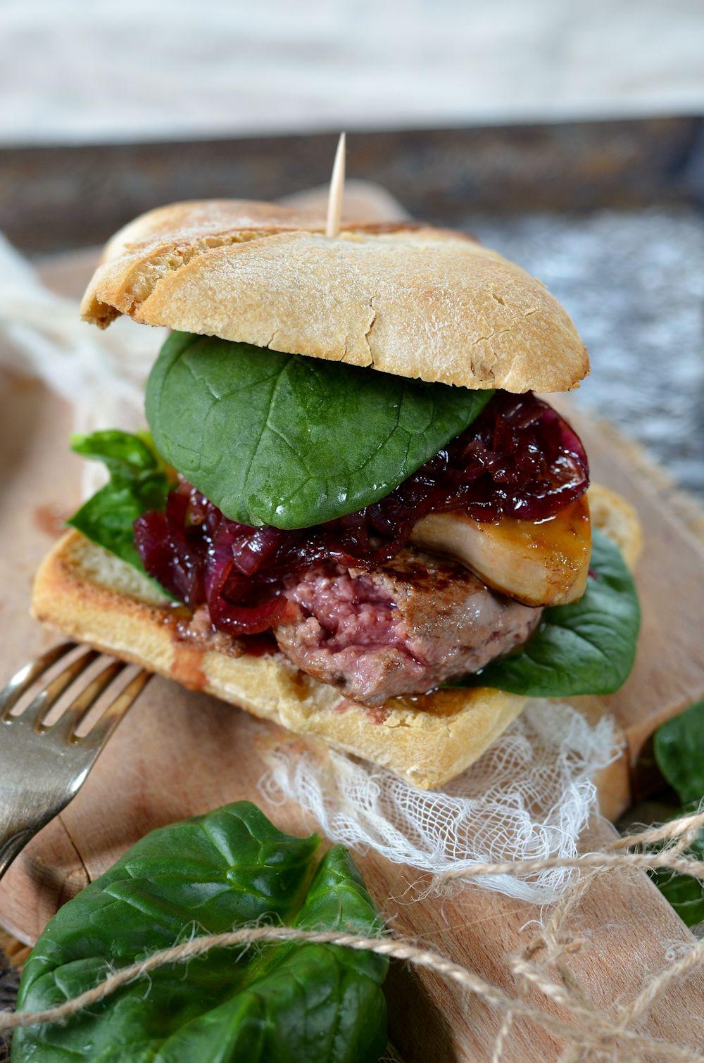 Burger Rossini au foie gras et oignon confit