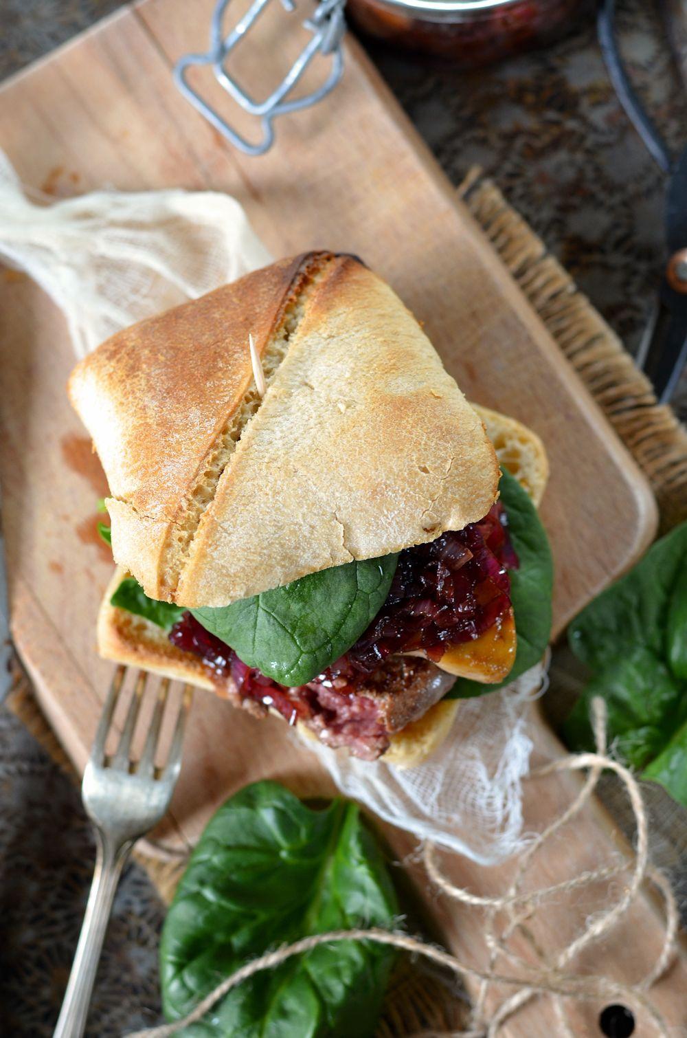 Hamburger foie gras et oignons confits