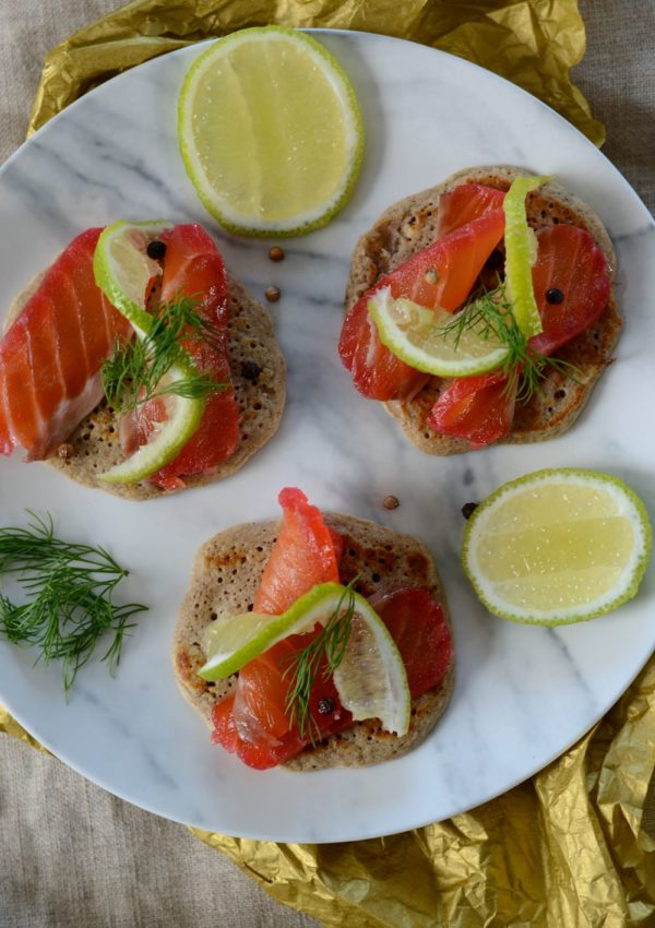 Saumon gravlax à la betterave, aux agrumes et gin