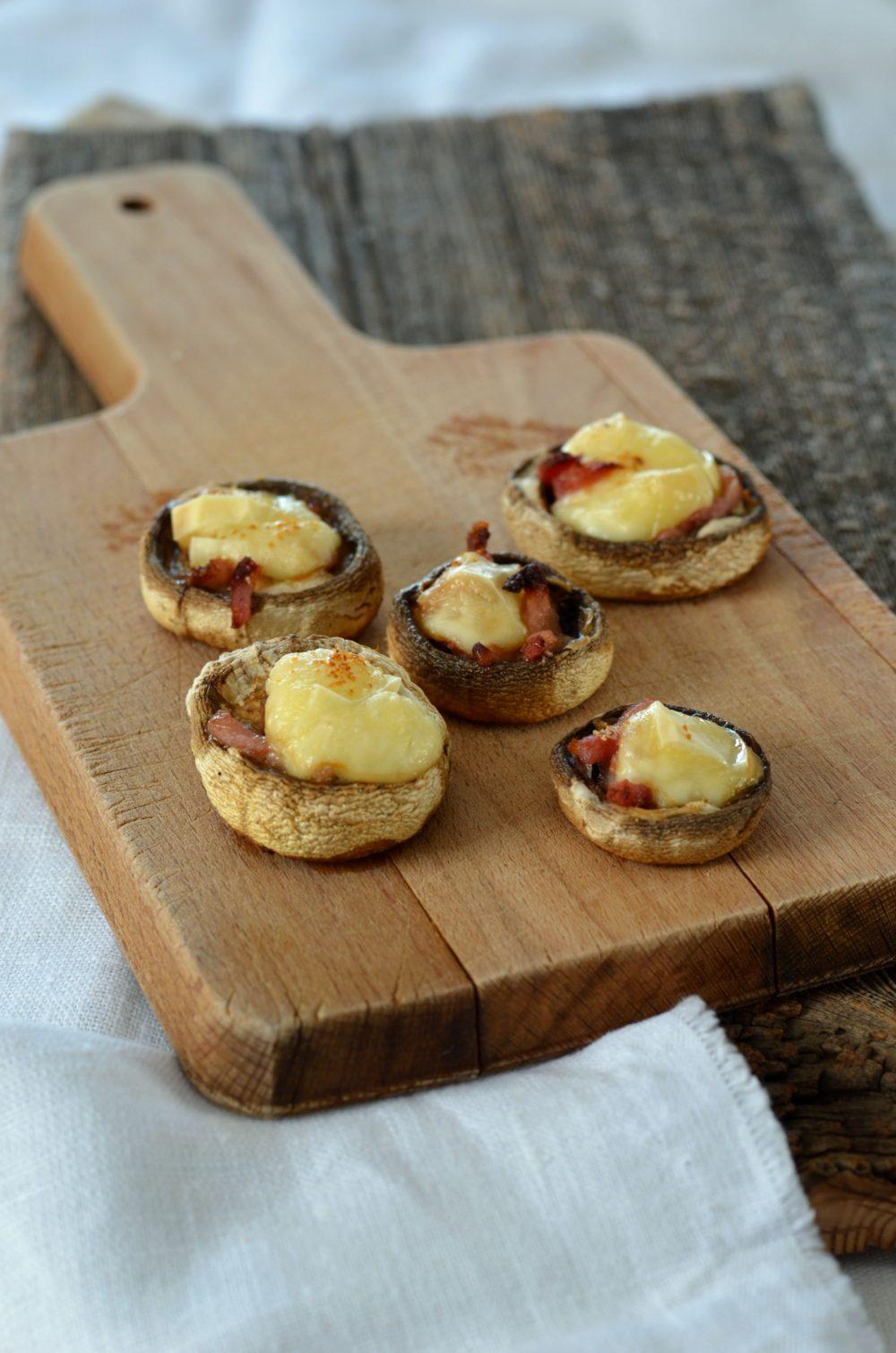 Champignons farcis au lard et fromage