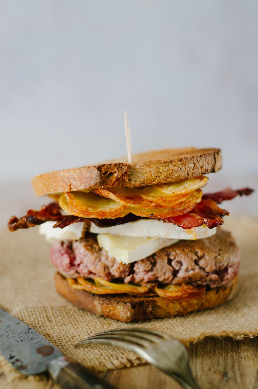 Sandwich reblochon et lard