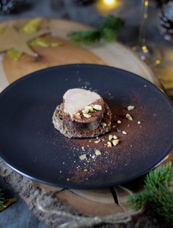 Foie gras au torchon au cacao et armagnac