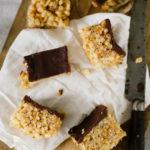Barres chocolatées maison à la cacahuète