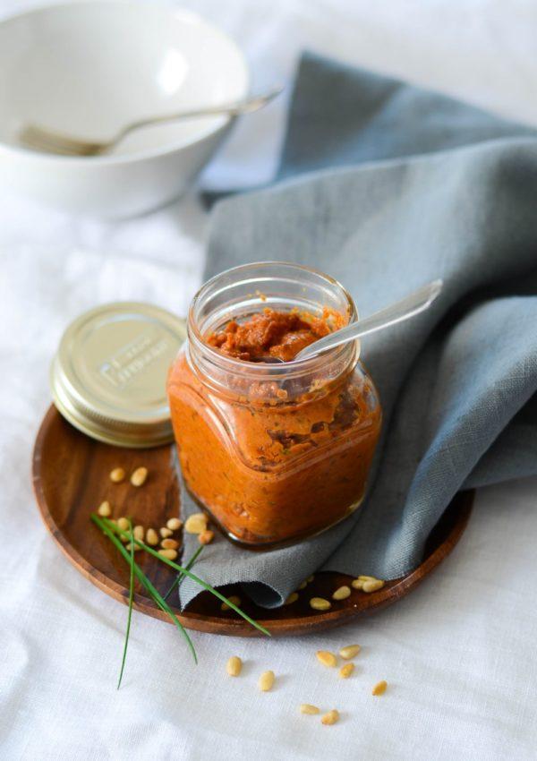 Sauce tomate et pignons