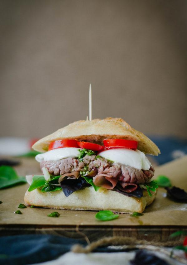 Burger italien {jambon cru, mozza & pesto}