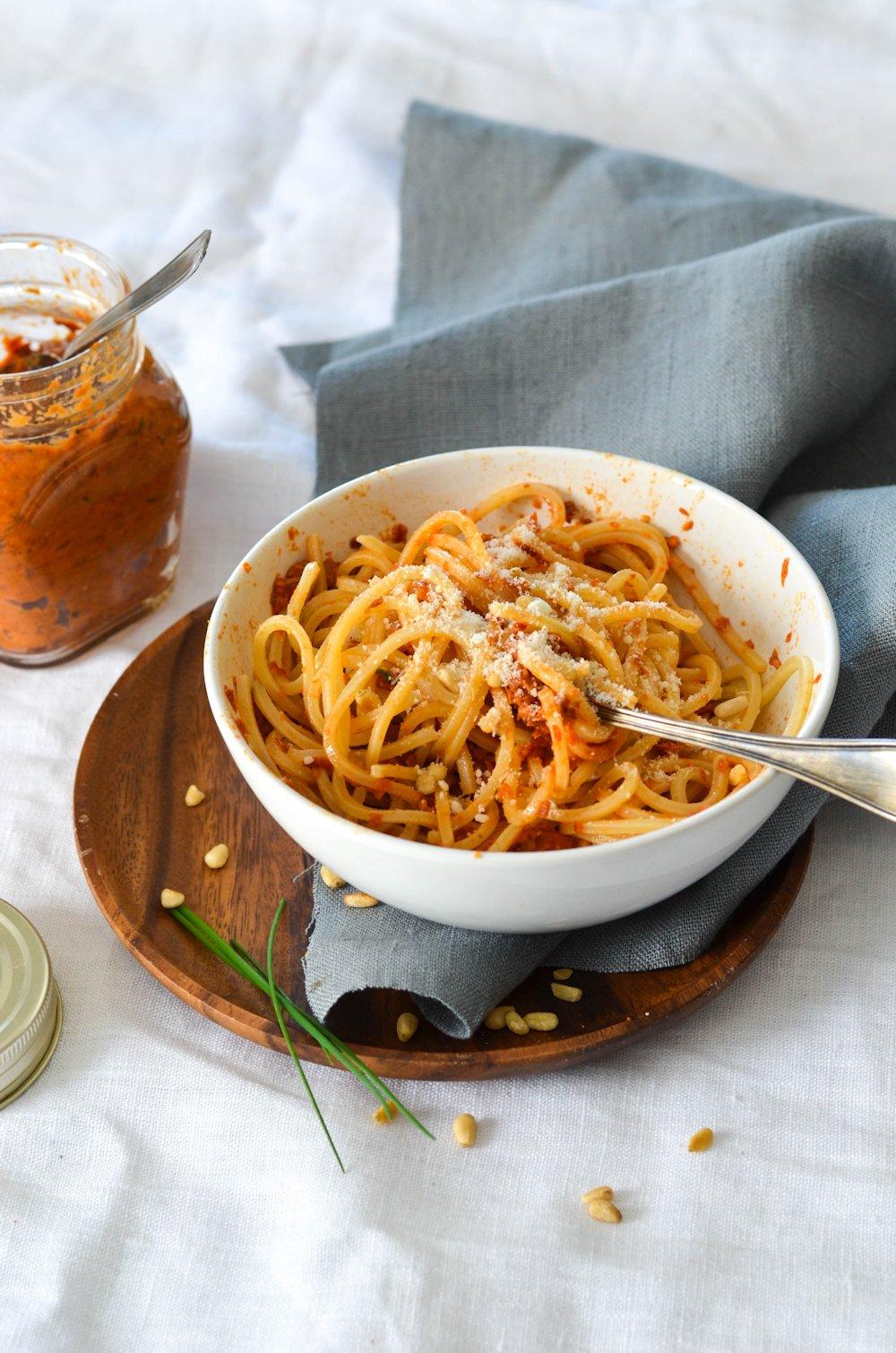 bol de pâtes à la tomate