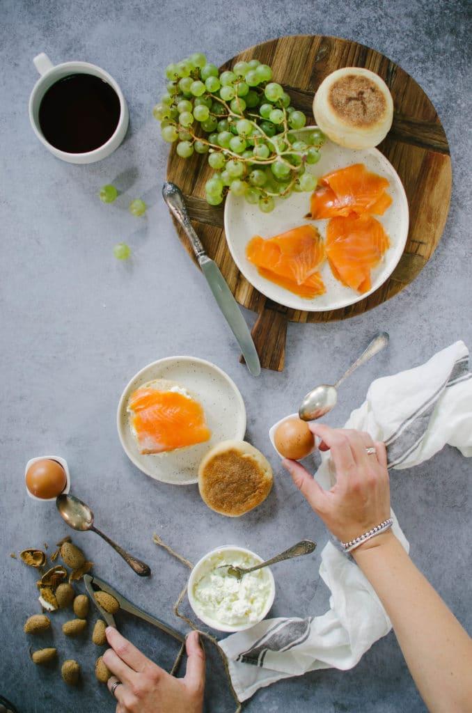 Muffin anglais à la truite fumée et fromage frais