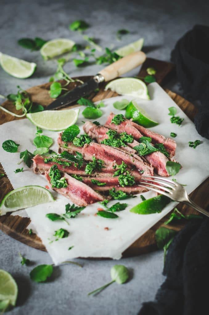 Salade viande rouge et herbes