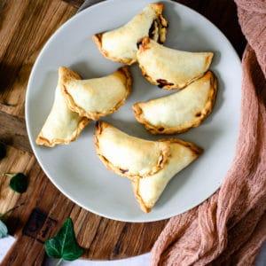 Empanadas à la viande de sanglier et olives noires