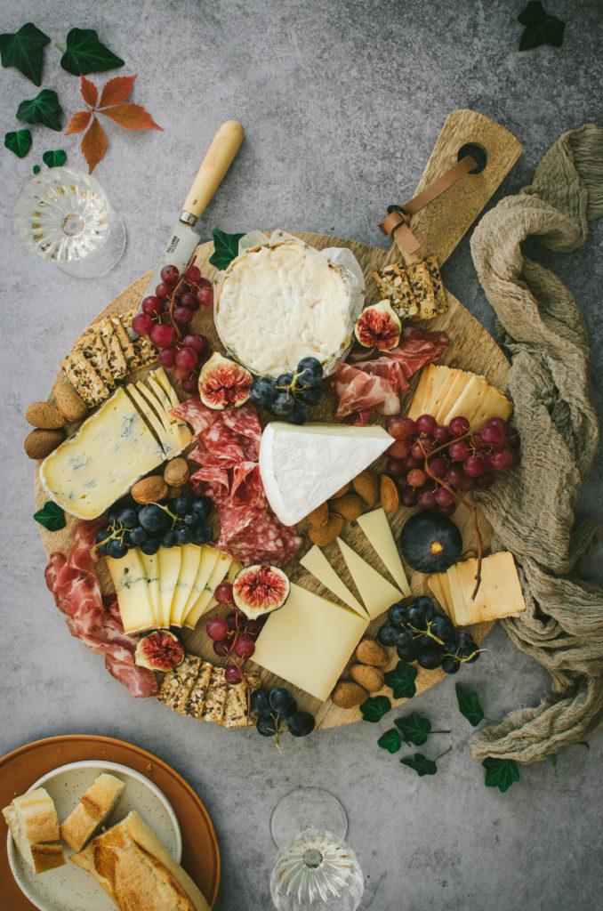 plateau de fromages et charcuteries