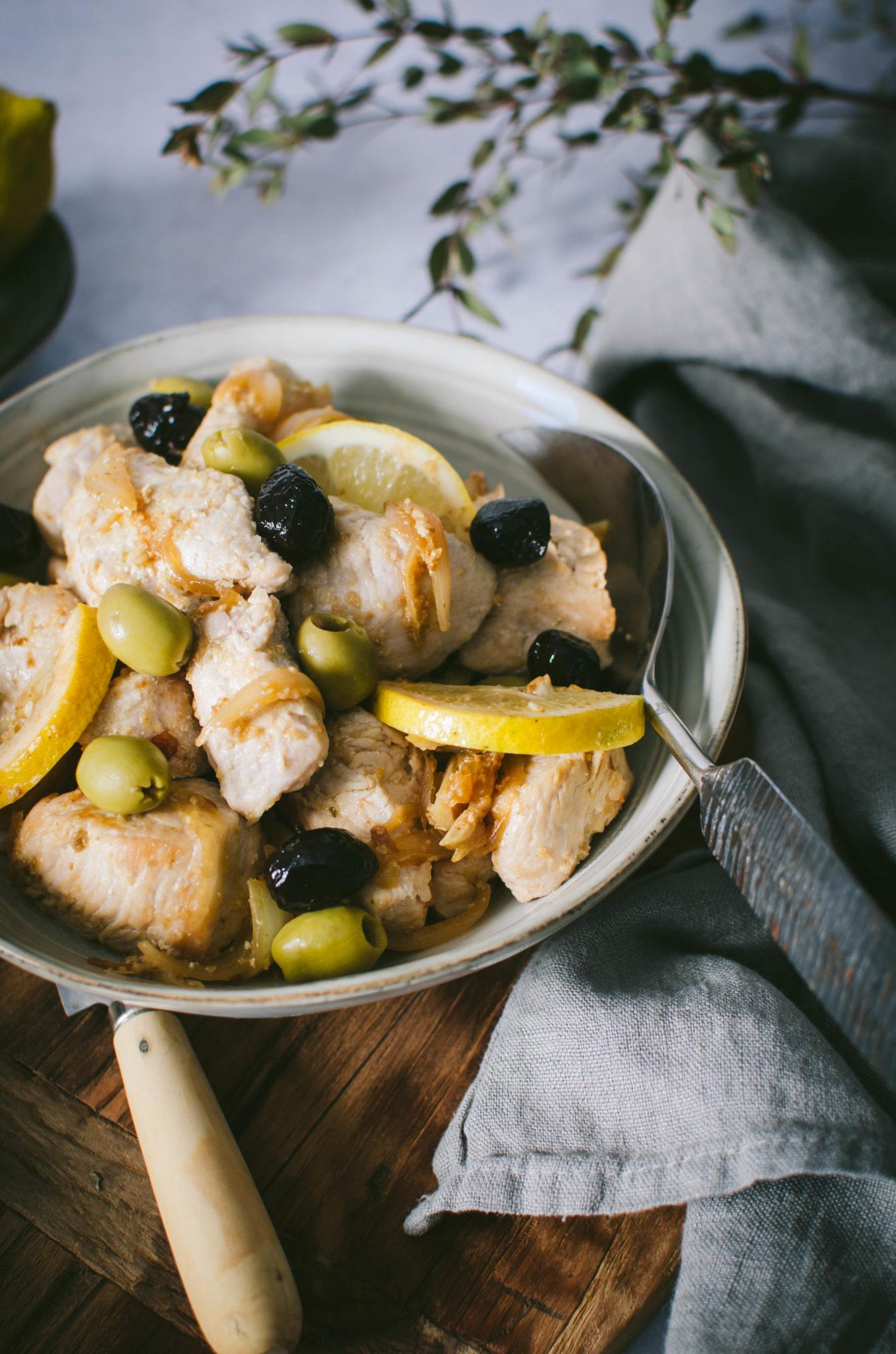 Sauté de dinde aux olives et citron