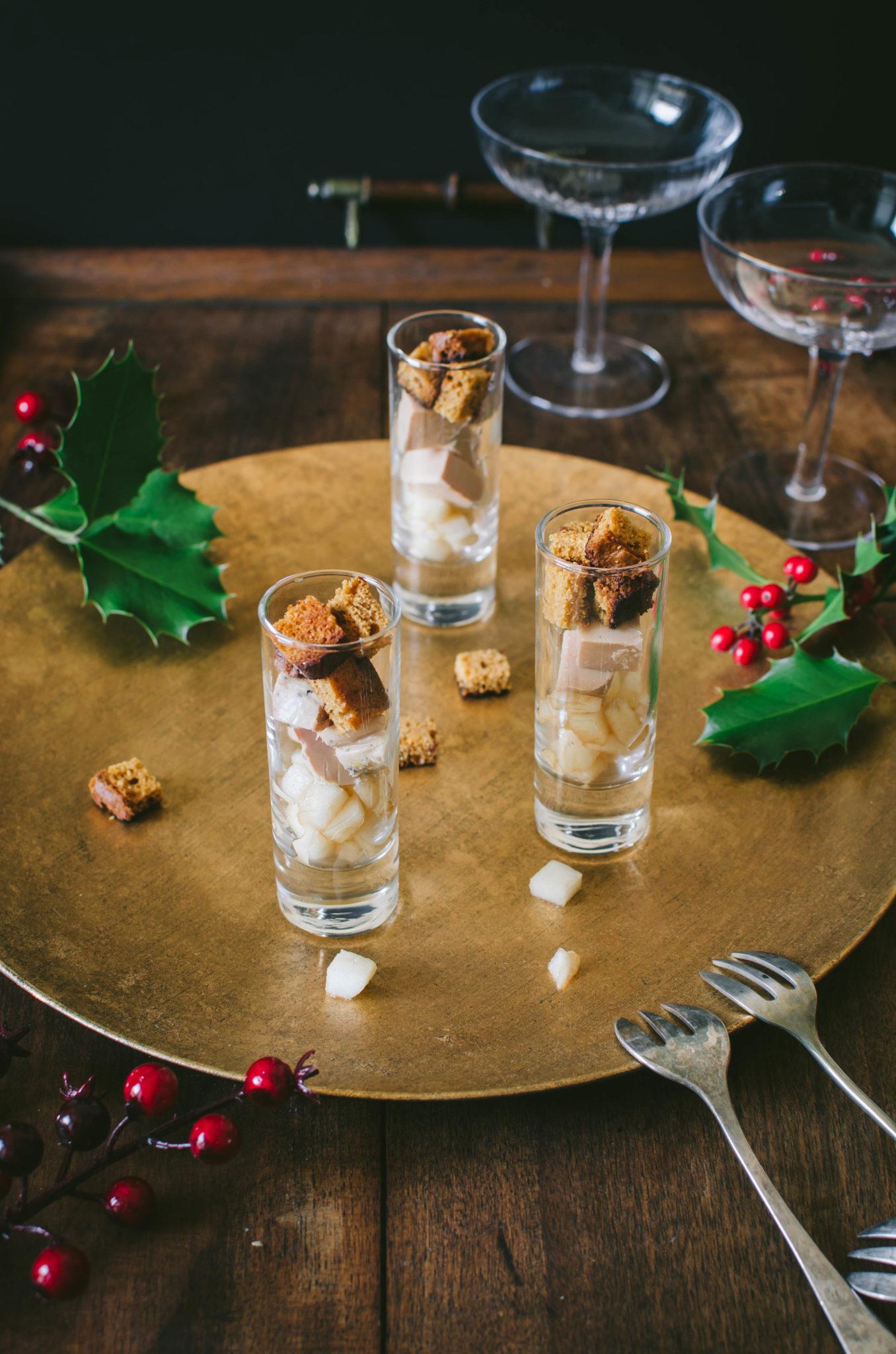 Verrine de Noël au foie gras, pain d'épices et poire