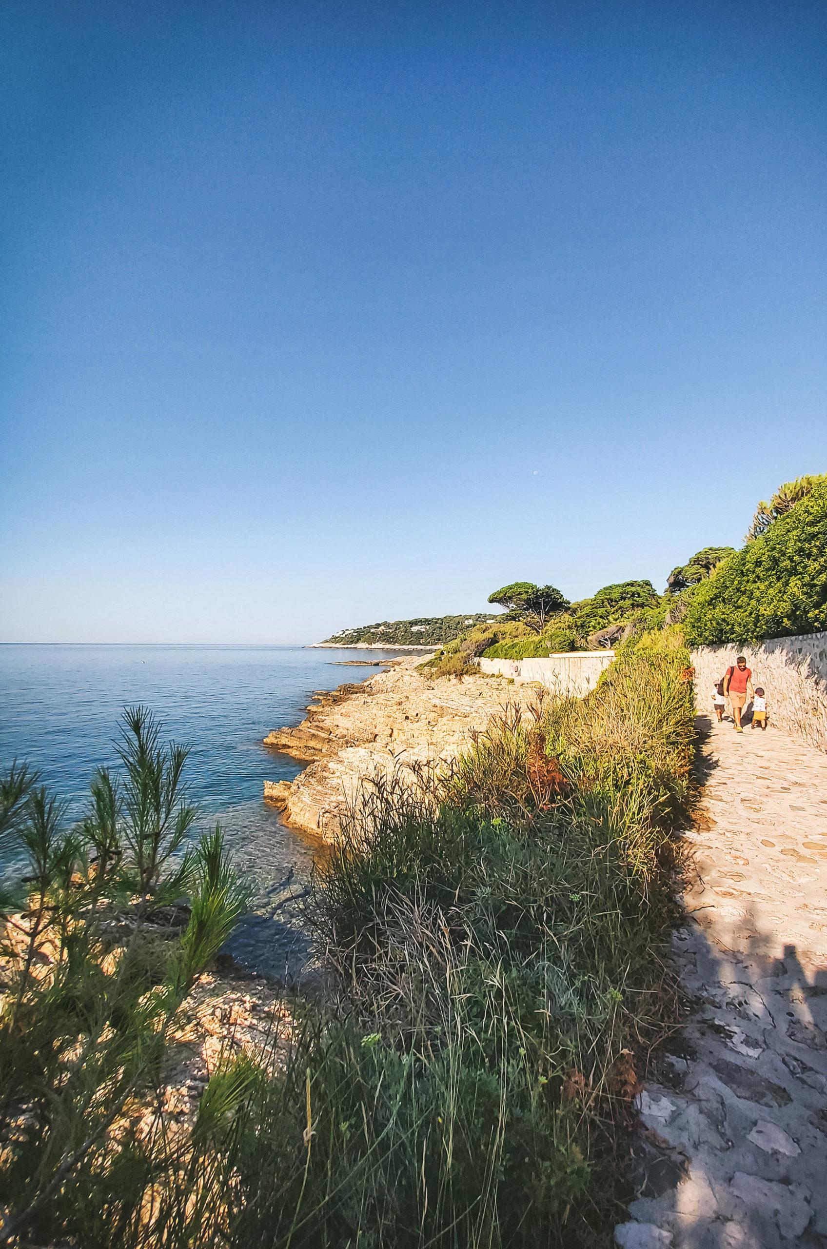 5 choses à faire sans voiture dans la Riviera autour de Nice - Saint Jean Cap Ferrat
